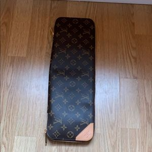 Louis Vuitton 5 tie case
